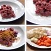 Sơ chế nguyên liệu nấu cà ri bò: Rửa sạch thịt bò, cắt miếng vuông vừa ăn. Ướp thịt bò với 1/2 muỗng canh dầu ăn và 1/2 muỗng canh bột cà ri, trộn đều rồi để yên trong khoảng 30 phút. Bóc vỏ hành tây, cắt miếng vuông nhỏ. Gọt vỏ cà rốt và khoai tây rồi đem cắt miếng vuông tương tự kích cỡ của thịt bò.
