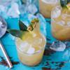 Rót cocktail ra ly, trang trí thêm ít lát thơm thái nhỏ là có thể dùng thưởng thức. Cocktail thơm mát lạnh có vị chua thanh đặc trưng, thơm thoảng hương rượu rum và mùi gia vị hấp dẫn.