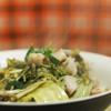 Trút lòng xào dưa ra đĩa, rắc tiêu lên trên và dùng khi nóng.