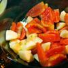 Mứt táo cà chua phết bánh mì