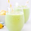 Thưởng thức thôi nào. Sinh tố trái cây nhiệt đới rau xanh được kết hợp từ xoài, thơm, chuối và rau bina (chân vịt). Có thể bạn sẽ thấy lạ lẫm với món thức uống này nhưng tin mình đi, bạn sẽ ngạc nhiên vì kết quả nó mang lại cho sức khỏe của bạn đấy.