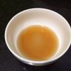 Trong lúc chờ sườn heo bạn hòa tan 2 muỗng canh nước mắm, 2 muỗng canh đường trắng, 1/2 muỗng cà phê bột ngọt, khuấy đều cho hỗn hợp hòa quyện vào nhau. Có thể thêm một ít nước nếu thích.