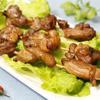 Thịt gà xiên nướng với những thịt đùi gà được lọc bỏ xương nướng chín dai thơm, béo ngon, ngấm đều gia vị ướp. Thích hợp cho những bữa tiệc nướng cuối tuần cùng cả nhà. Món này nướng than hay nướng lò đều được nhé!