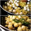 Cho hạt trân châu vào đảo đều. Cuối cùng, tắt bếp và thêm ít rau ngò vào cho thơm hơn nè.