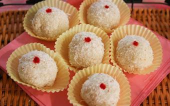 Bánh bao chỉ nhân dừa đậu phộng