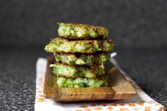 Bánh bông cải xanh chiên