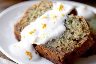 Bánh bông lan bí ngòi