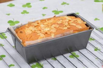 Bánh bông lan bơ nho