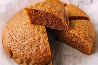 Bánh bông lan hấp kiểu Mã Lai