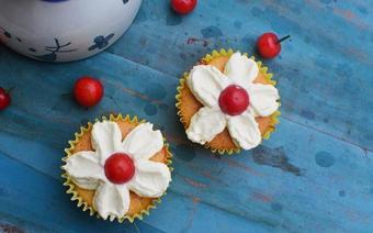 Bánh cupcake hình hoa