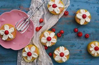 Bánh cupcake hoa