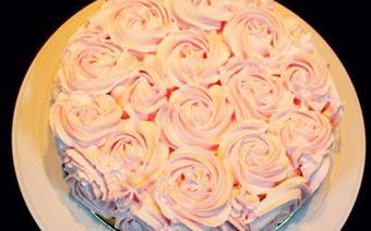 Bánh kem hoa hồng bằng nồi cơm điện