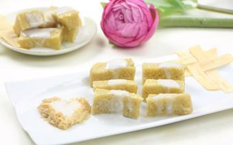 Bánh khoai lang trộn dừa hấp