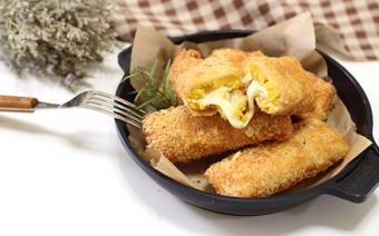 Bánh mì cuộn khoai lang chiên xù