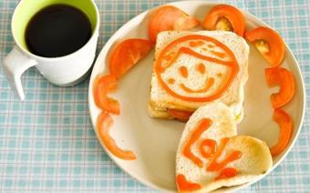 Bánh mì kẹp trứng sốt mayonnaise