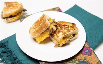 Bánh mì sandwich kẹp nấm