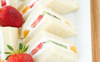 Bánh mì sandwich trái cây