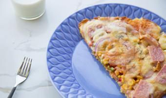 Bánh pizza cơm nguội