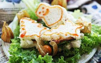 Bánh sandwich hình cây thông