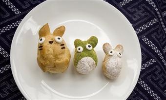 Bánh su kem hình mèo béo Totoro