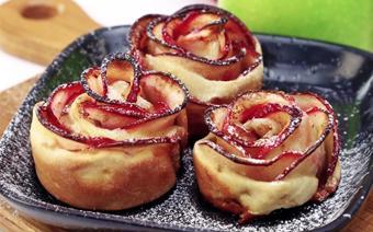 Bánh tart táo hình hoa hồng