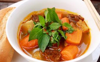 Bò kho cà rốt