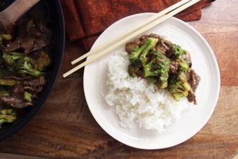 Bông cải xanh xào sốt thịt bò