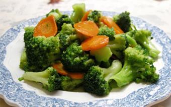 Bông cải xanh xào tỏi