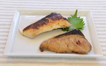 Cá cam sốt Teriyaki - Terayaki Yellowtail fish