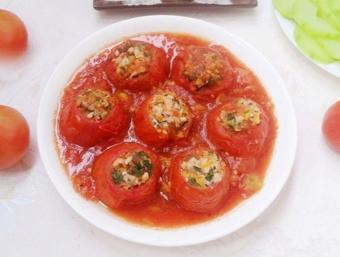 Cà chua nhồi thịt hấp dẫn