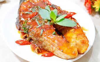Cá hồi áp chảo sốt chua ngọt