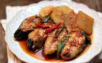 Cá kho củ cải kiểu Hàn
