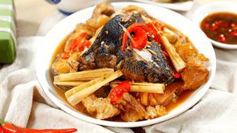 Cá lóc kho thịt sả