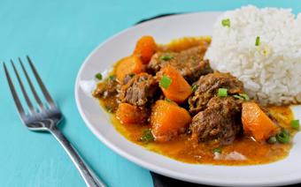 Cà ri bò nấu nước cốt dừa