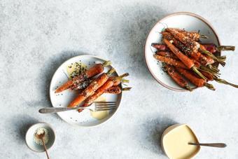 Cà rốt nướng sốt mè