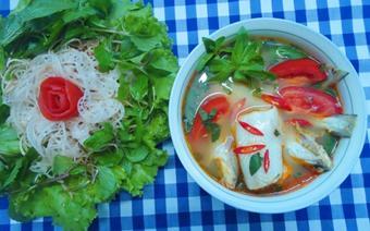 Canh cá khoai nấu chua
