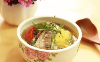 Canh cá nục nấu thơm