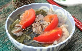 Canh cải chua nấu gân bò