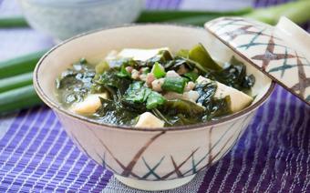 Canh rong biển nấu đậu hũ