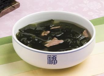 Canh rong biển thịt bò chuẩn Hàn