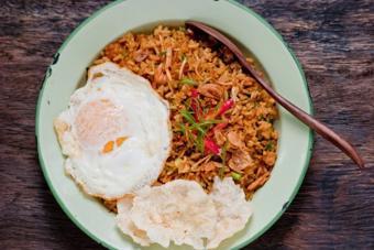 Cơm chiên chuẩn vị Indonesia
