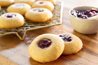Cookies nhân mứt dâu