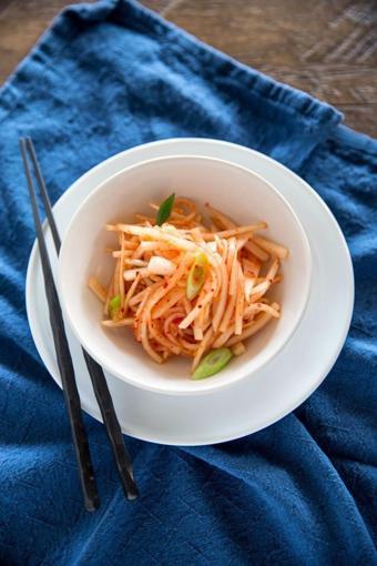Củ cải trắng ngâm kiểu Hàn