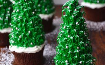 Cupcake hình cây thông noel