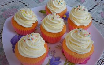 Cupcake kem tươi