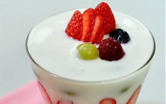 Cupcake trái cây sữa chua