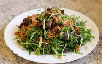 Gỏi bắp bò rau muống mầm