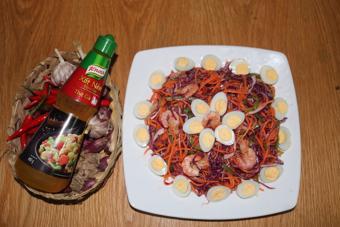 Gỏi bắp cải tím tôm trứng