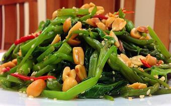 Gỏi rau muống đậu phộng