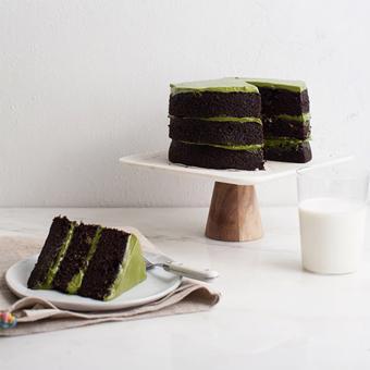 Greentea and Chocolate cake